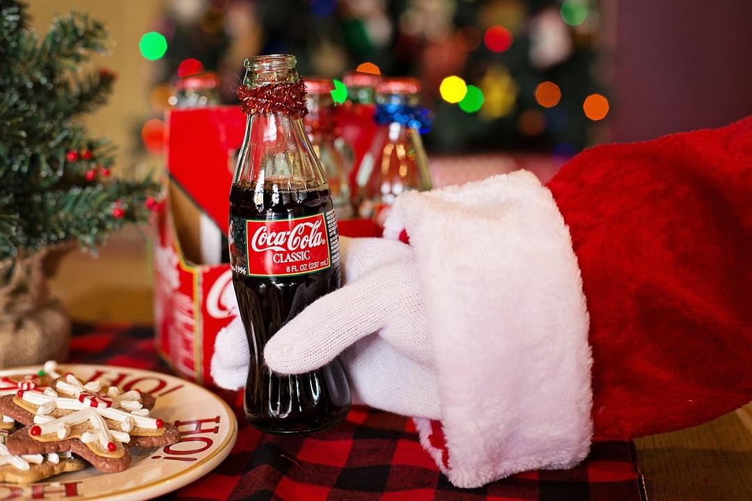 Coca Cola Babbo Natale.Focus On Babbo Natale E Coca Cola Everywhere On The Road